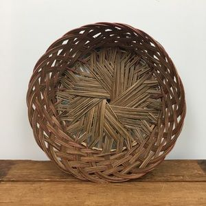 Other - Round Woven Scalloped Basket